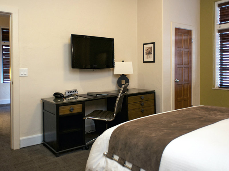 One King Bed Two Room Boardroom Suite Bed and Office Space